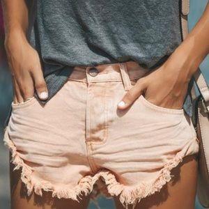 NWT Vici stagecoach cuffed peach shorts